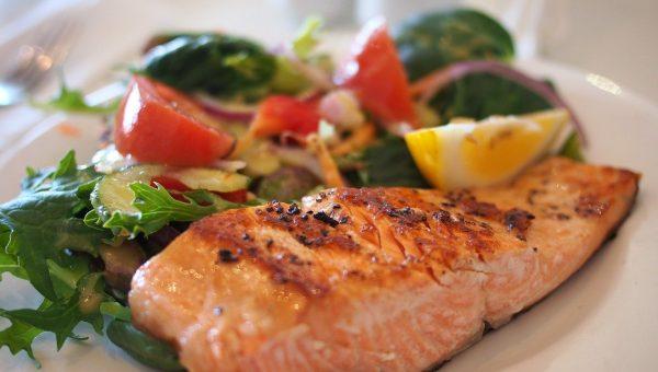 3 idées pour manger dehors sans grossir