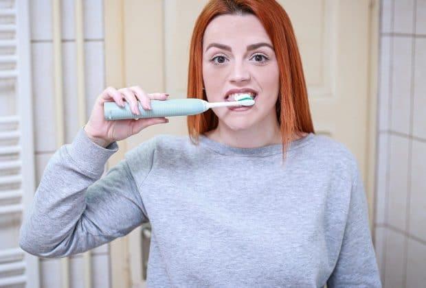 Quelle solution pour blanchir ses dents à la maison ?